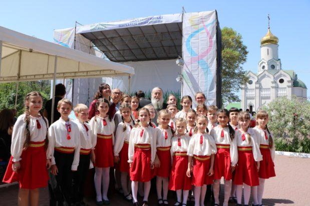 ХV Пасхальный фестиваль духовных песнопений собрал лучшие хоровые коллективы Днепропетровского региона