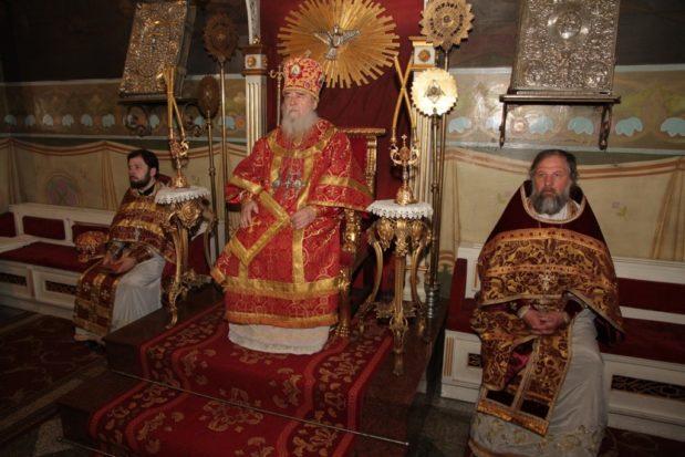 В Неделю 5-ю по Пасхе митрополит Ириней совершил хиротонии в Свято-Троицком кафедральном соборе г. Днепра