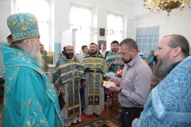 Митрополит Ириней совершил Литургию в домовом храме при Екатеринославском доме трудолюбия