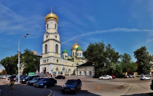 В Неделю 9-ю по Пятидесятнице митрополит Ириней совершил Литургию в Свято-Троицком кафедральном соборе г. Днепра