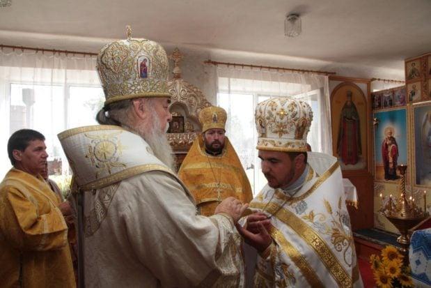 Митрополит Ириней посетил храм в честь Собора 12-ти апостолов с. Новоалександровка Синельниковского района